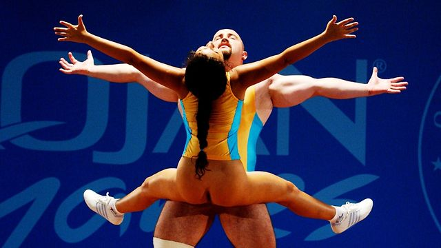 golaya-gimnastika-video-sport